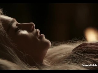 Emilia Clarke – Roxanne McKee – Game of Thrones (2011) s1e2